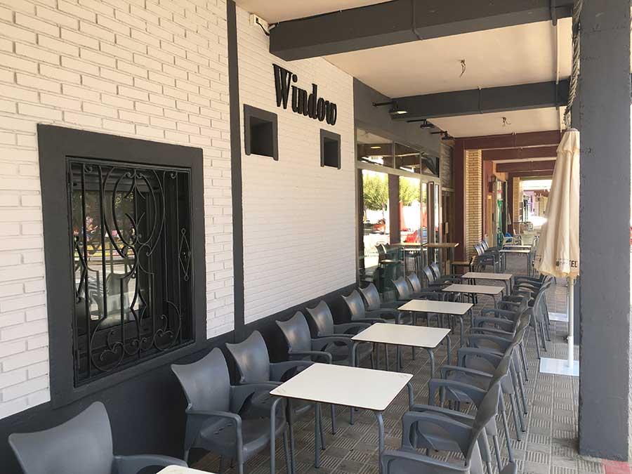 Reforma integral de bar window de Cortes